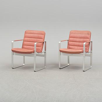 KARL ERIK EKSELIUS, A pair of 19702/1980s 'Mondo' easy chairs by Karl-Erik Ekselius får JOC Möbler, Vetlanda.