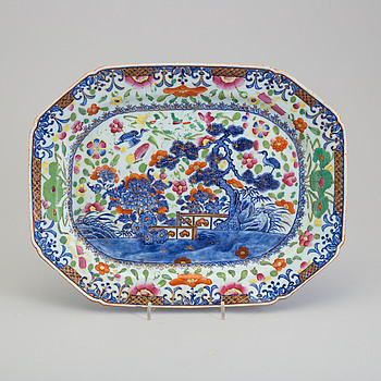 A 'clobbered' blue and white serving dishes, Qing dynasty, Qianlong (1736-95).