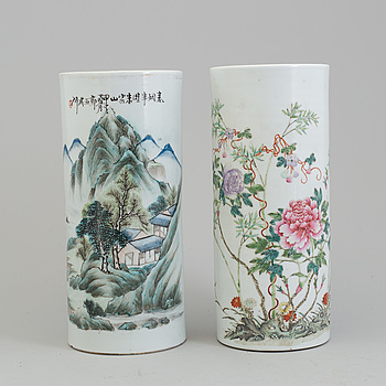 Two Chinese 20th century famille rose hat stand.