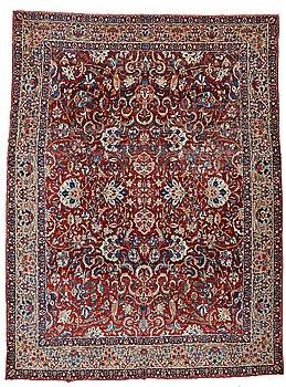 209. A CARPET, an antique Esfahan, ca 480,5 x 350 cm.