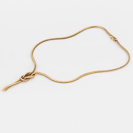 A necklace.