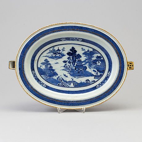 A blue and white hot water dish, qing dynasty, late 19th century with the monogram jl.