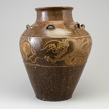 A large Chinese s.k. Martaban jar, 19th Century.