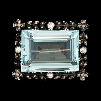 A BROOCH, facetted aquamarine, old and rose cut diamonds, 14K gold, silver.