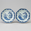 A pair of blue and white export porcelain dishes, qing dynasty, qianlong (1736 95)