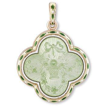 108. A FABERGÉ MEDALLION, enamel, 14K (56) gold. St Petersburg 1899-1908.