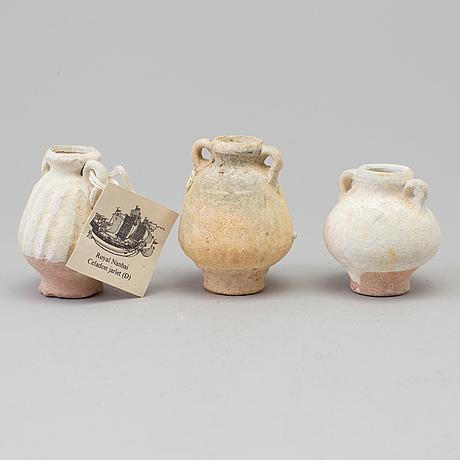 A set of three miniature jarlets, sawankhalok, 15th century. 'royal nanhai'.