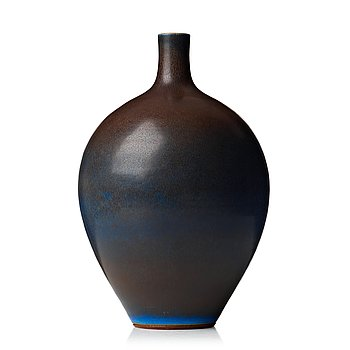 68. BERNDT FRIBERG, a stoneware vase, Gustavsberg studio, Sweden 1967.