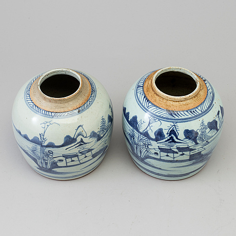 Two blue and white jars, qing dynasty, 19th century.