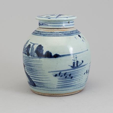 A blue and white jar, qing dynasty, 19th century