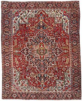 208. A CARPET, a semi-antique Heriz/Gorovan, ca 441,5 x 356,5 cm.