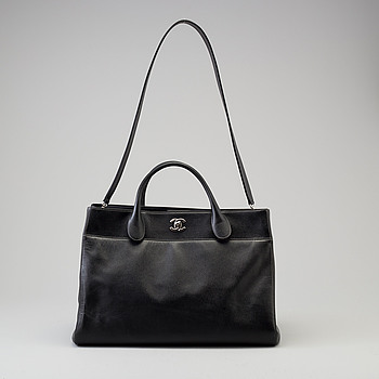 "VÄSKA, Chanel ""Executive Cerf Tote"", 2015-2016."