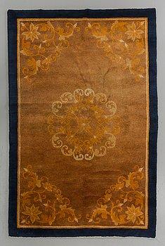 MATTA, Kina sannolikt Batou, old ca 197 x 134 cm.