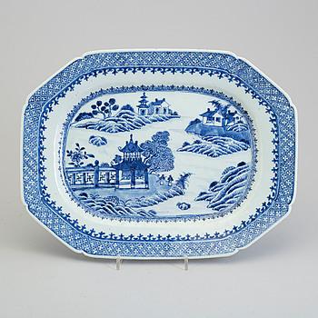 STEKFAT, kompaniporslin. Qingdynastin, Qianlong (1736-95).