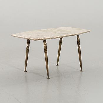 AN ITALIAN SOFA TABLE, mid 20th century.