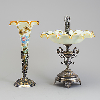 UPPSATSSKÅL MED VAS, flussglas omkring 1900.