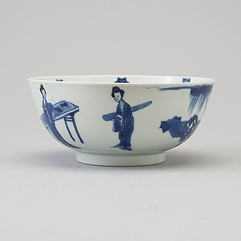 A blue and white bowl, Qing dynasty, Kangxi (1662-1722), with Chenghua six character mark.
