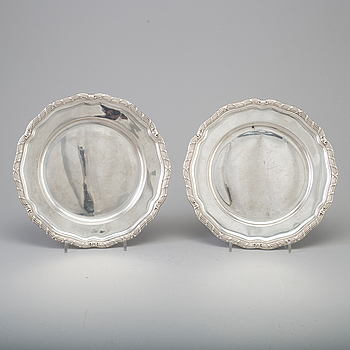 Two silver plates by CG Hallber, Stockholm, 1935-8.
