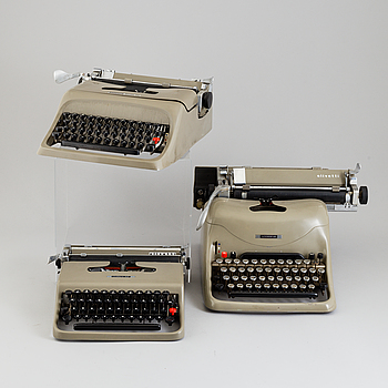 MARCELLO NIZZOLI, 3 typewriters, Olivetti.