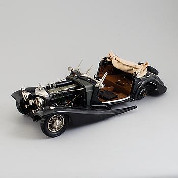 POCHER, byggmodell i metall och plast av en Mercedes Benz 500 K-AK cabriolet 1935.