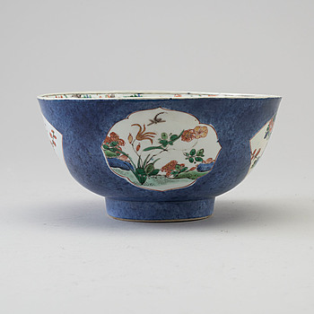 A famille verte porcelain bowl, Qing dynasty, Kangxi (1662-1722),