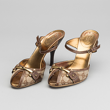GUCCI, shoes, marked size 39,