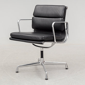 CHARLES & RAY EAMES, a 'Soft Pad Chair EA 208' from Vitra, circa 2015.
