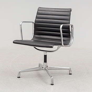 CHARLES & RAY EAMES, a 'Aluminium Chair EA 104' from Vitra, circa 2015.