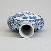 A blue and white porcelain moon flask, qing dynasty, late 19th century.