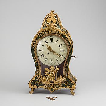 BORDSPENDYL, Louis XV-stil, 1800-talets andra hälft.