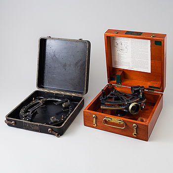 A 20th century Stadimeter and a bearing circle, both in cases. Marked U.S. Navy.