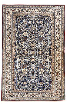 210. A CARPET, a semi-antique Esfahan/Nain, ca 250 x 169,5 cm (as well as the ends have 2 cm flat weave).