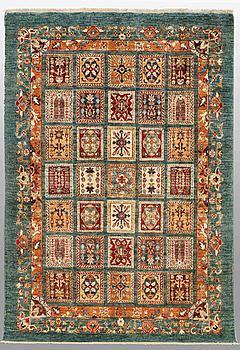 MATTA, Ziegler design, ca 247 x 168 cm.