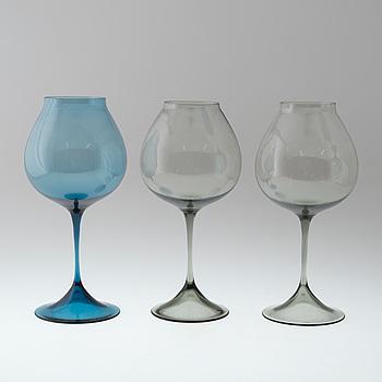 NILS LANDBERG, A set of three Nils Landberg glasses from Orrefors.