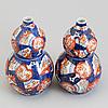 Two imari porcelain double gourd vases, japan, meiji (1868-1912).