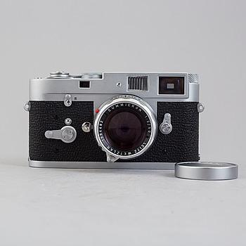 KAMERA MED TRE OBJEKTIV, Leica M2, nr 1087231, Ernst Leitz Wetzlar, Tyskland.