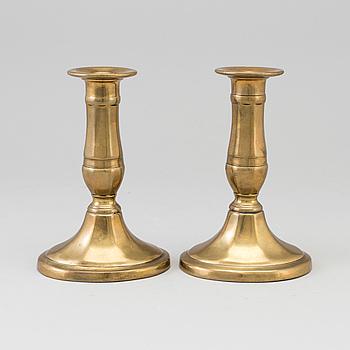 LJUSSTAKAR, ett par, brons, 1800-tal.