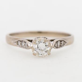 A RING, brilliant cut iamonds, 18K white gold.
