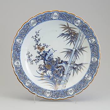 A Japanese blue and white porcelain charger, Meiji (1868-1912).