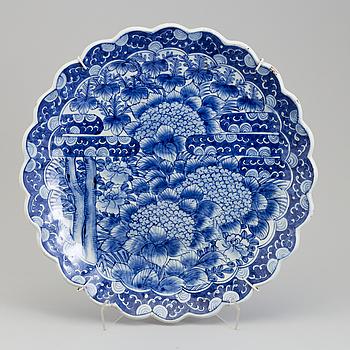PRAKTFAT, porslin. Japan, Meiji (1868-1912).