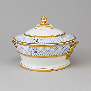 EMPIRE, An Empire porcelain tureen from P.l Dagoty Paris, France, first half of the 19th Century.