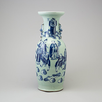 A large blue and white celadon glazed porcelain vase, Qing dynasty, late 19th century.