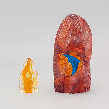 Two signed glass sculptures by erika höglund for målerås.