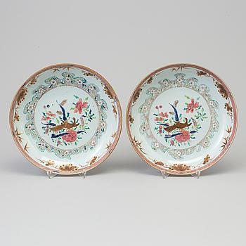 SKÅLFAT, ett par, kompaniporslin. Qingdynastin, Yongzheng (1723-35).