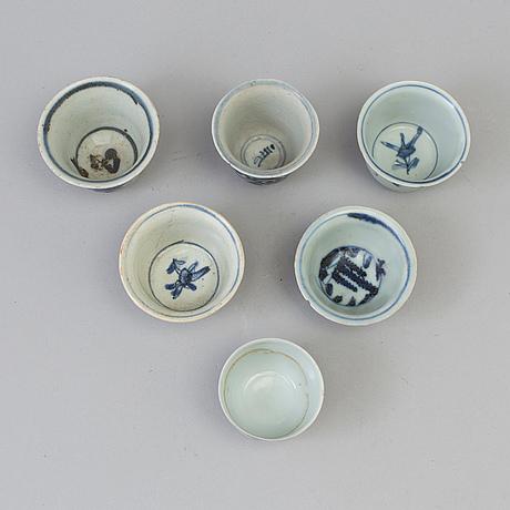 Koppar, sex stycken, porslin. mingdynastin (1368 1644)