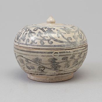 A blue and white Sawankhalok box with cover, 15th Century.