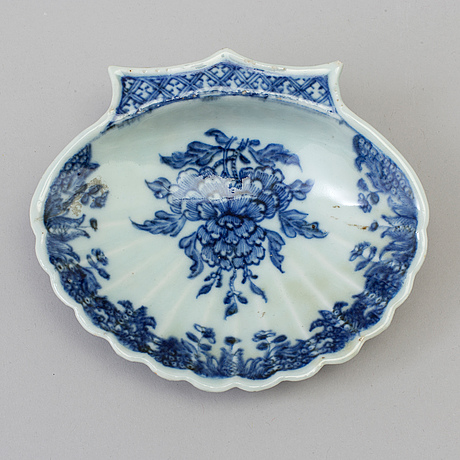 A blue and white export butter dish, qing dynasty, qianlong (1736-95).
