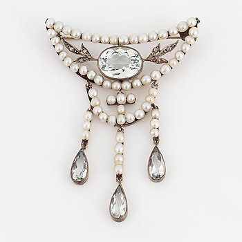DAHLGREN & CO, Brooch, with aquamarine, diamonds and seed pearls.