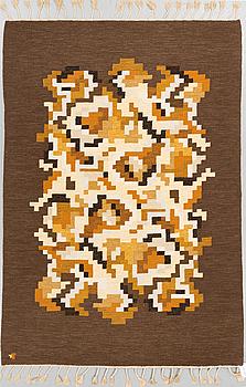 """MATTA,""""Korall"""", rölakan. Signerad V . Ca 245 x 142 cm."""