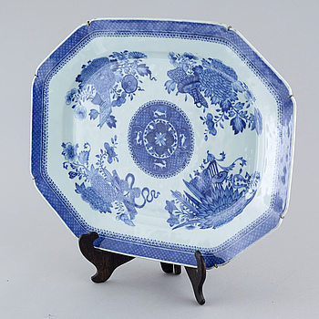 STEKFAT, porslin, Kina, Jiaqing (1796-1820).
